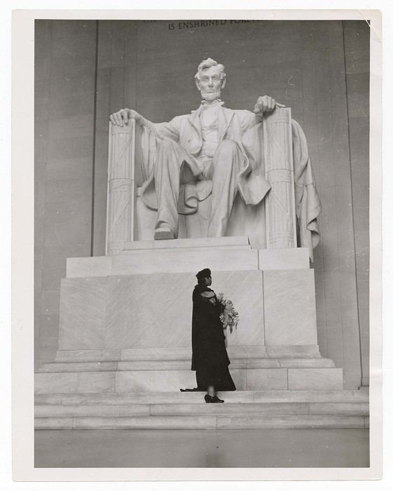 [Marian Anderson and her mother on the steps of the Lincoln Memorial after her Easter concert, Washington, DC]