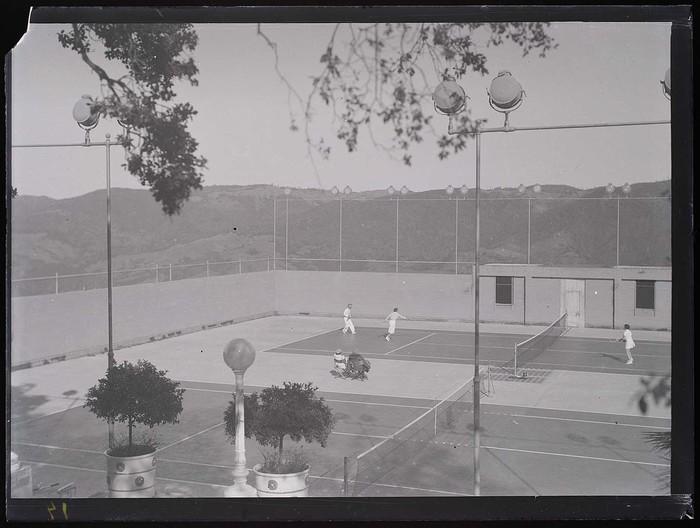 [Tennis court, Hearst Ranch, San Simeon, California]