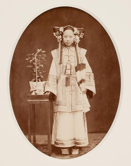 [Unidentified Young Manchu Woman]
