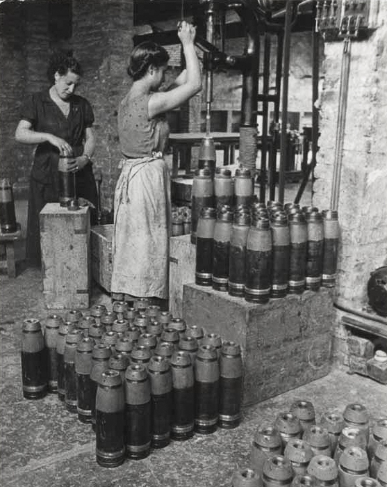 [Women making bombs in a munitions factory, Spain]