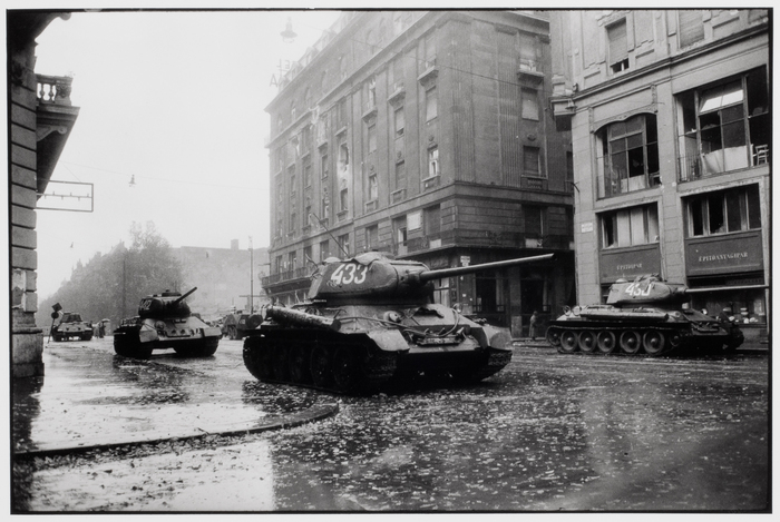 Russian tanks roll through streets of Budapest