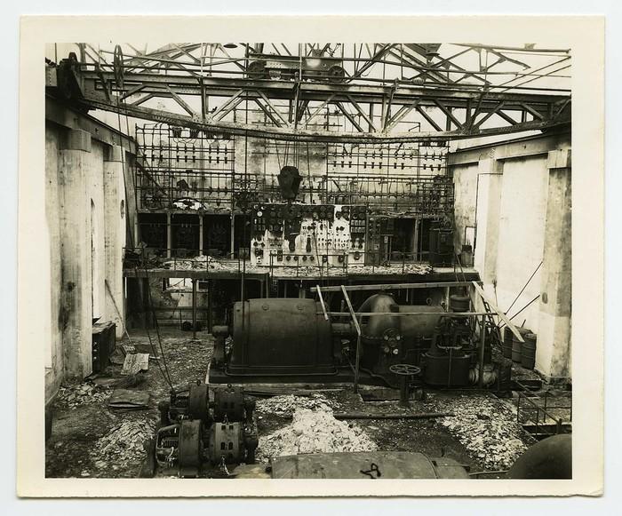 [Damaged turbo-generator and electrical panel of Chugoku Electric Company, Minami Sendamachi Substation, Hiroshima]