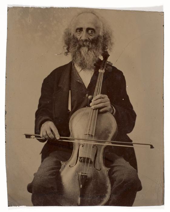 [Cellist]
