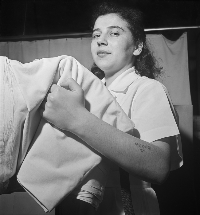 [Physical therapist and masseuse Hanna Stern Weinberger, Jewish Hospital for Joint Diseases, East Harlem, New York]