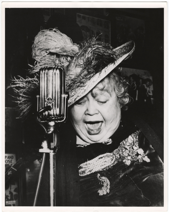 [Dora performing at Sammy's on the Bowery, New York]