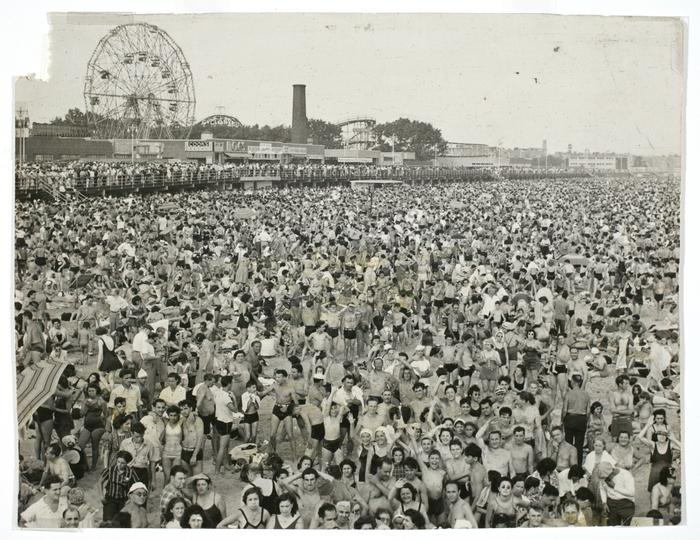 [Afternoon crowd at Coney Island, Brooklyn]