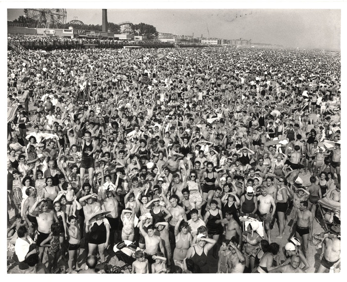 [Afternoon crowd at Coney Island, Brooklyn]
