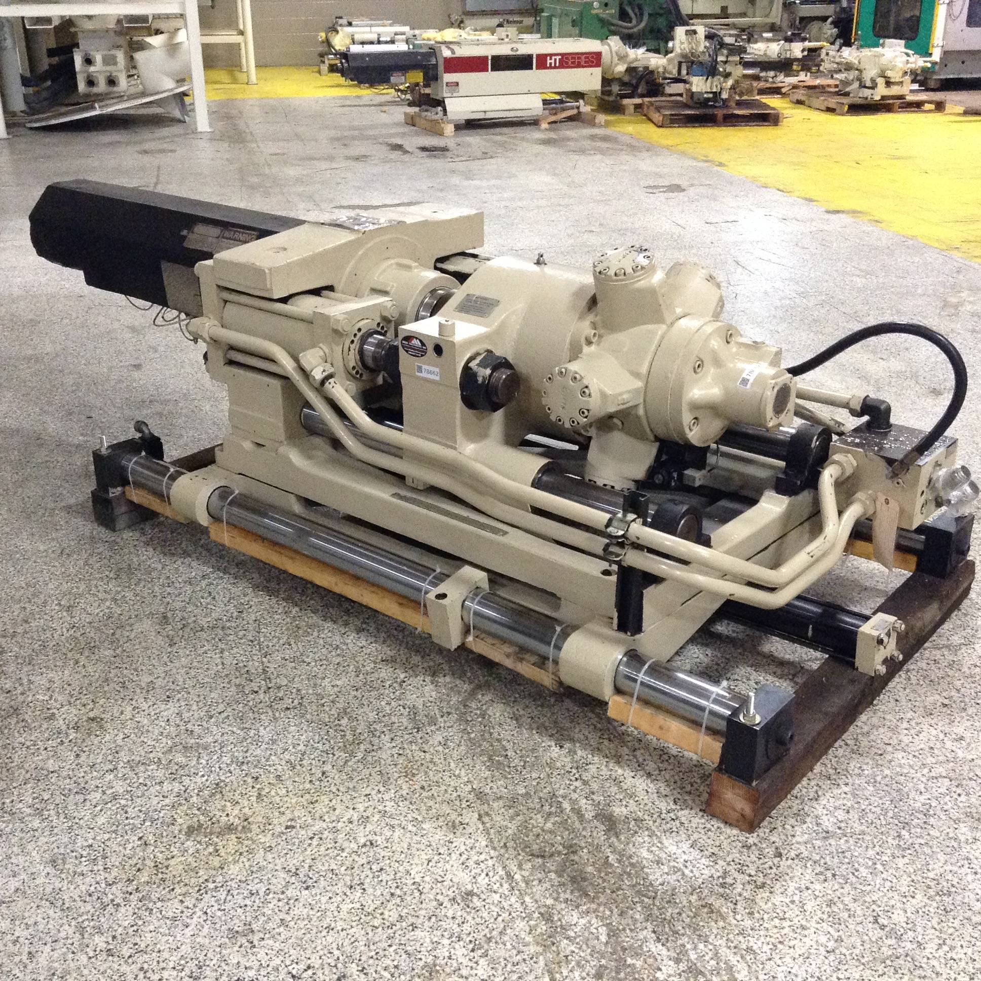 Cincinnati Milacron Injection Unit662