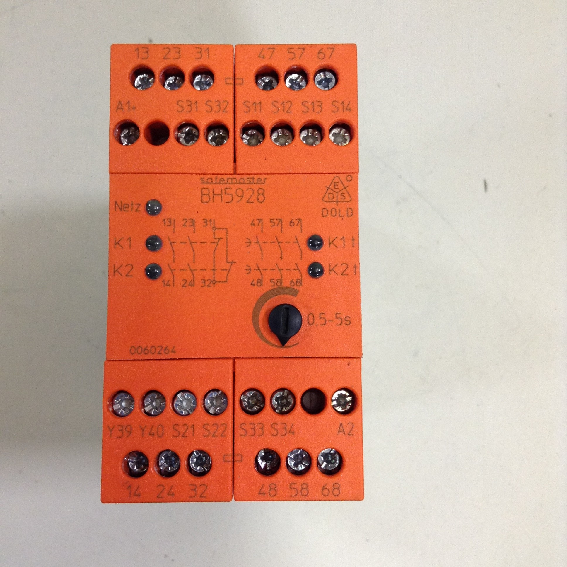Details about E Dold & Sohne Kg Safety Relay BH5928 Used #83468