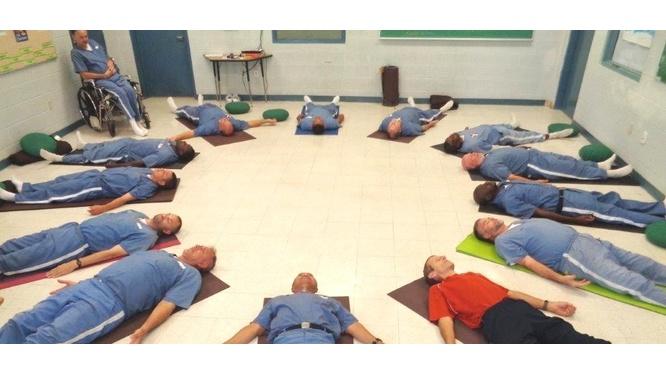 Yoga para los Prisioneros