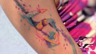 Itinerant tattoo artist