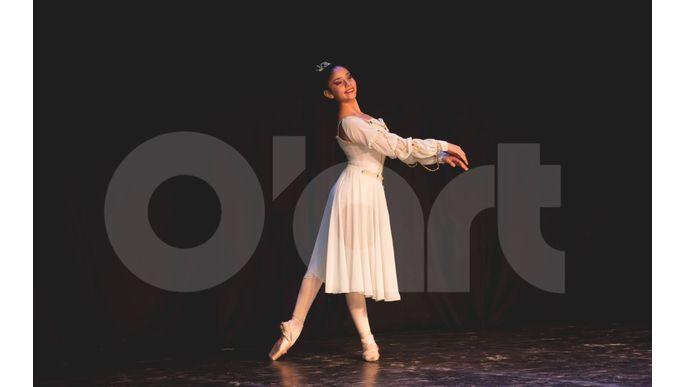 Pili baila en Italia