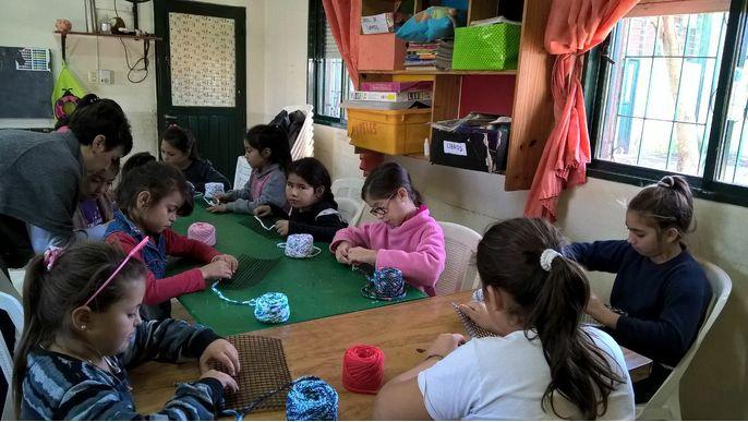 Ayudá a 150 niños de Ms. Jz.