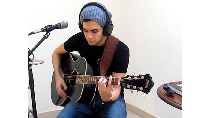 Luis Agüero, Cuatro Paredes EP