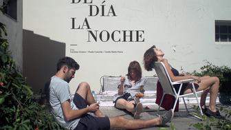 DE DÍA LA NOCHE