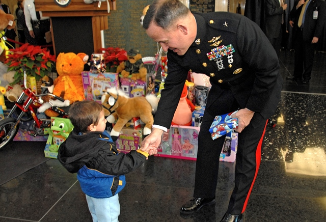 Toys For Tots Marine Corps : Marine corps toys for tots kicks off this holiday season