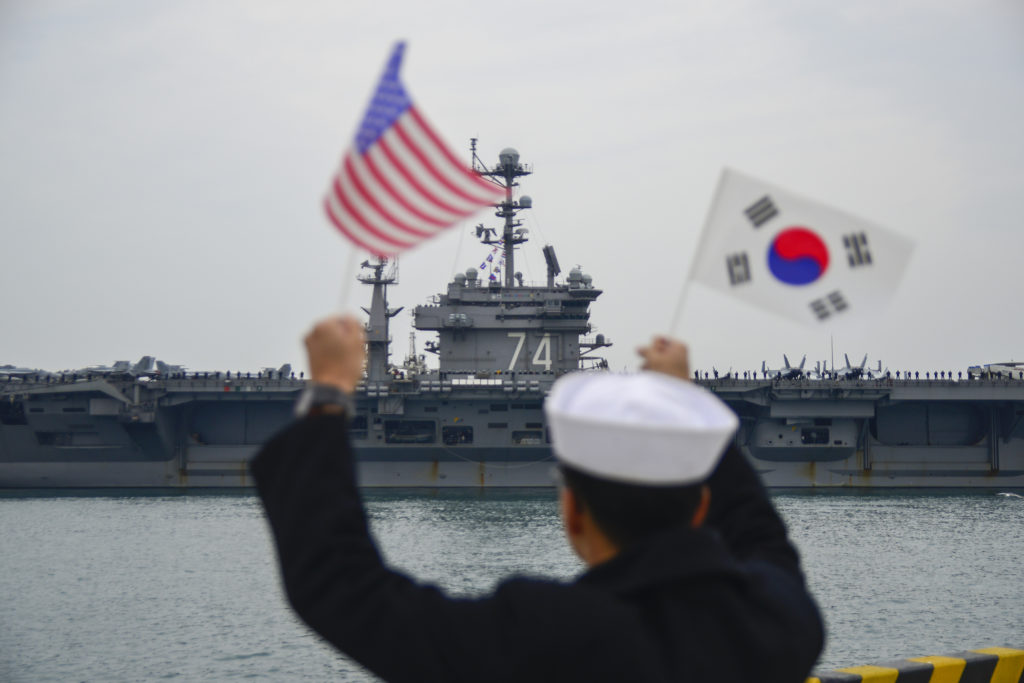 (U.S. Navy photo by Mass Communication Specialist 3rd Class Wesley J. Breedlove/Released)