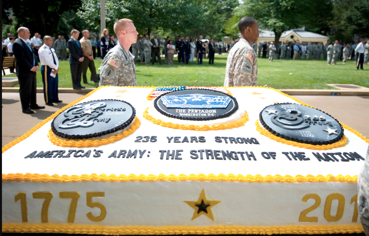Magnificent U S Army Birthday Cakes Revisitedthe Sitrep Military Blog Funny Birthday Cards Online Bapapcheapnameinfo