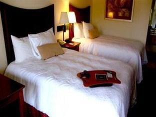 hampton inn by hilton 200 alamo drive london ky 40741. Black Bedroom Furniture Sets. Home Design Ideas