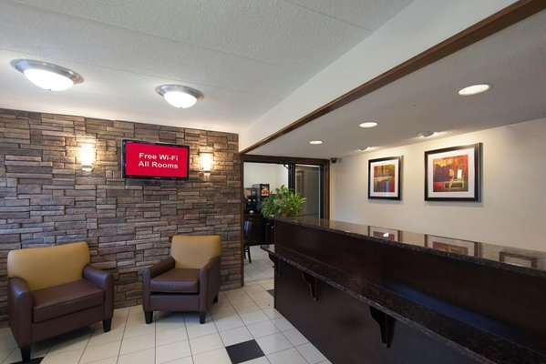 """Why Quality Inn? Quality Inn hotels offer more than the typical affordable hotel: you get more for your money with our """"Value Qs."""" From premium bedding and a refreshing shower to hot breakfast and friendly service, it all adds up to real value for you."""
