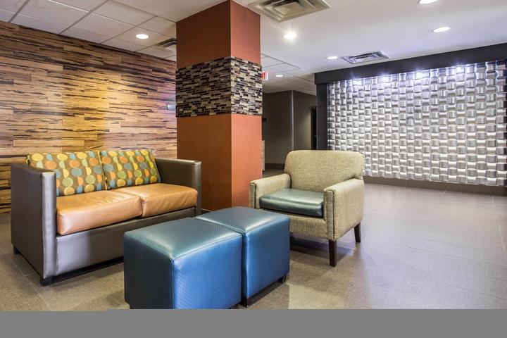Comfort Inn Suites 3033 Cloverleaf Pkwy Kannapolis Nc 28083 Exit 60 Interstate I 85