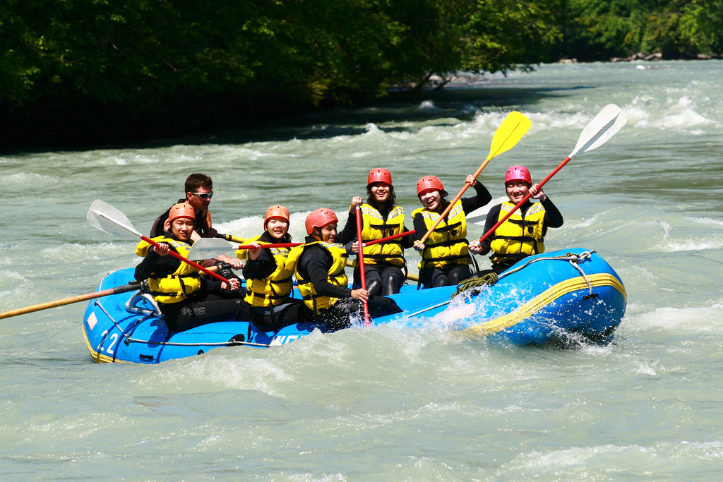 Whitewater Rafting | Photo Credit: Evan & Hingis