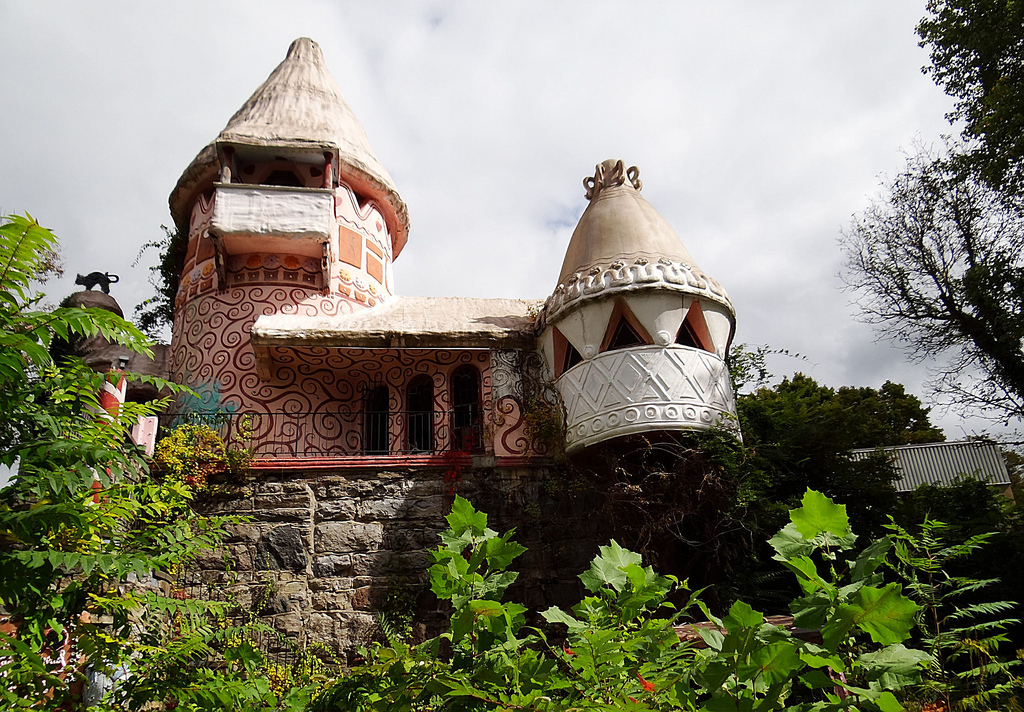 """Gingerbread Castle - Hamburg, NJ"" by Johnandmary.F via Flickr Creative Commons"