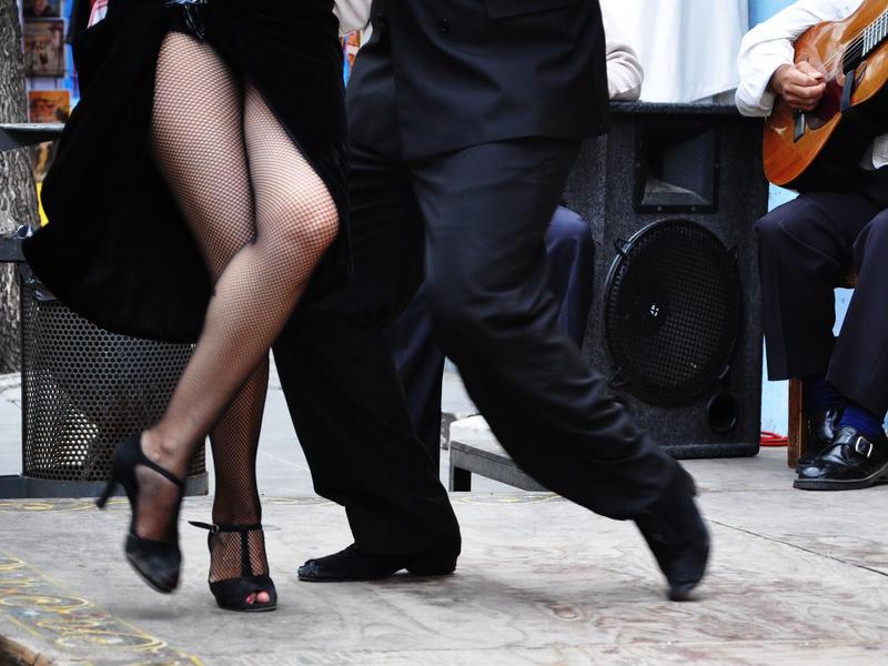 Tango performers in san telmo  suzanagudolle flickrcc