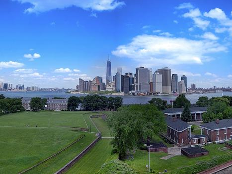 1200px fort jay governors island and lower manhattan skyline