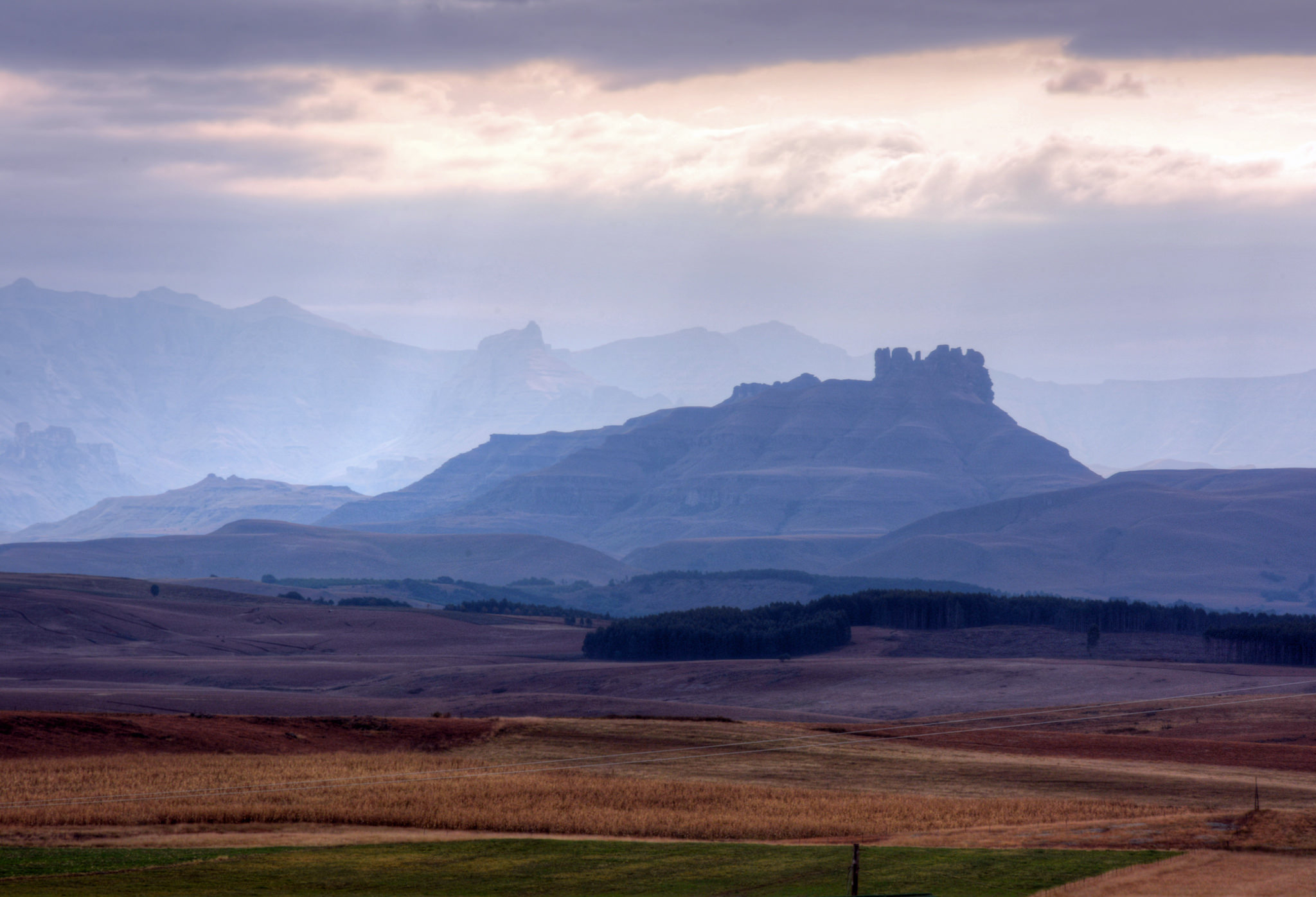 """UKhaklamba Drakensberg"" by Jonathan Gill via Flickr Creative Commons"