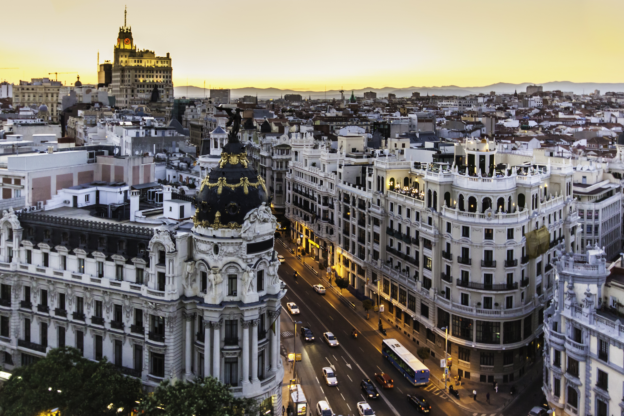 Which places of interest in Madrid are worth seeing