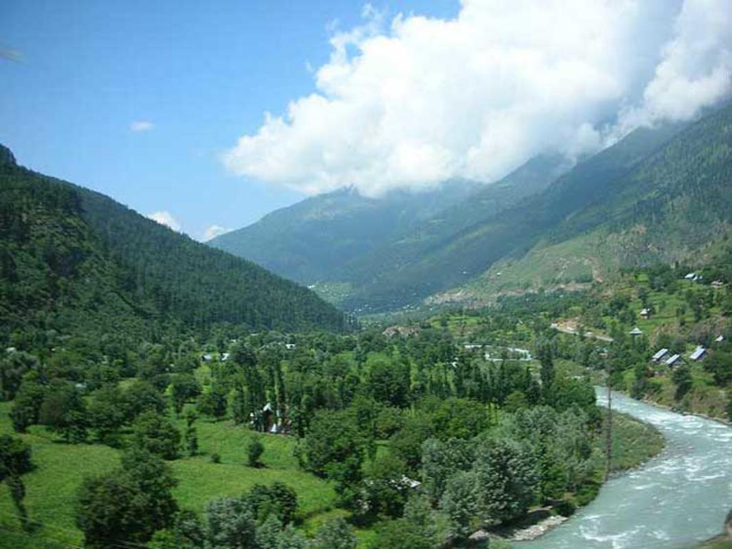 """The Kashmir Valley"" by taNvir kohli via Flickr Creative Commons"