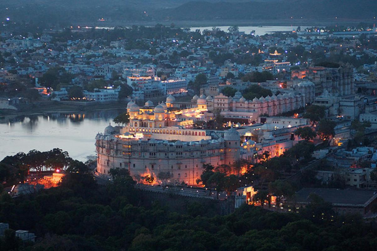 """""""Paläste von Udaipur"""" by Geri via Flickr Creative Commons"""