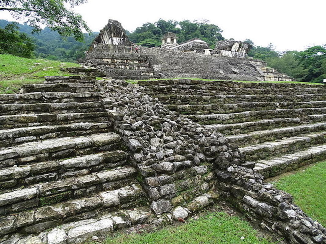 """Corner View of The Palace - Palenque Archaeological Site - Chiapas - Mexico "" by Adam Jones via Wikimedia Commons"