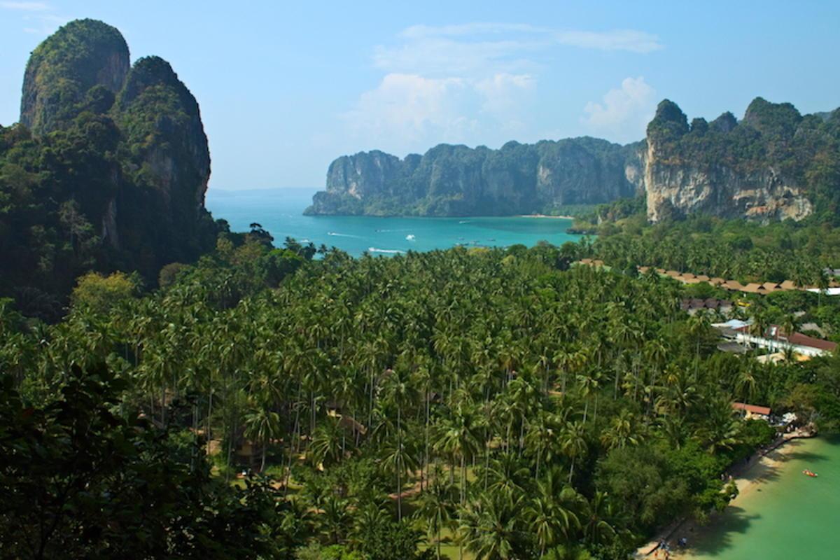"""Thaïlande - Krabi - Railay Beach"" by Nicolas Vollmer via Flickr Creative Commons"