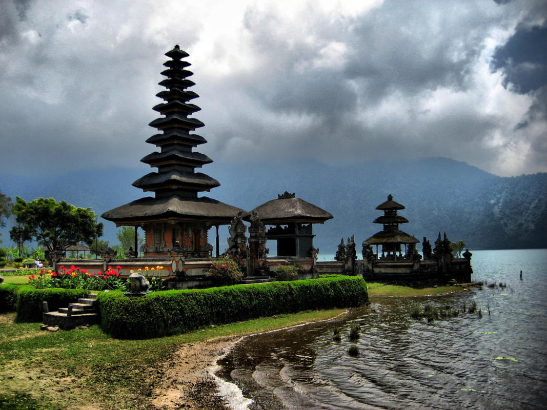 """Bali Temple"" by Joan Campderrós-i-Canas via Flickr Creative Commons"