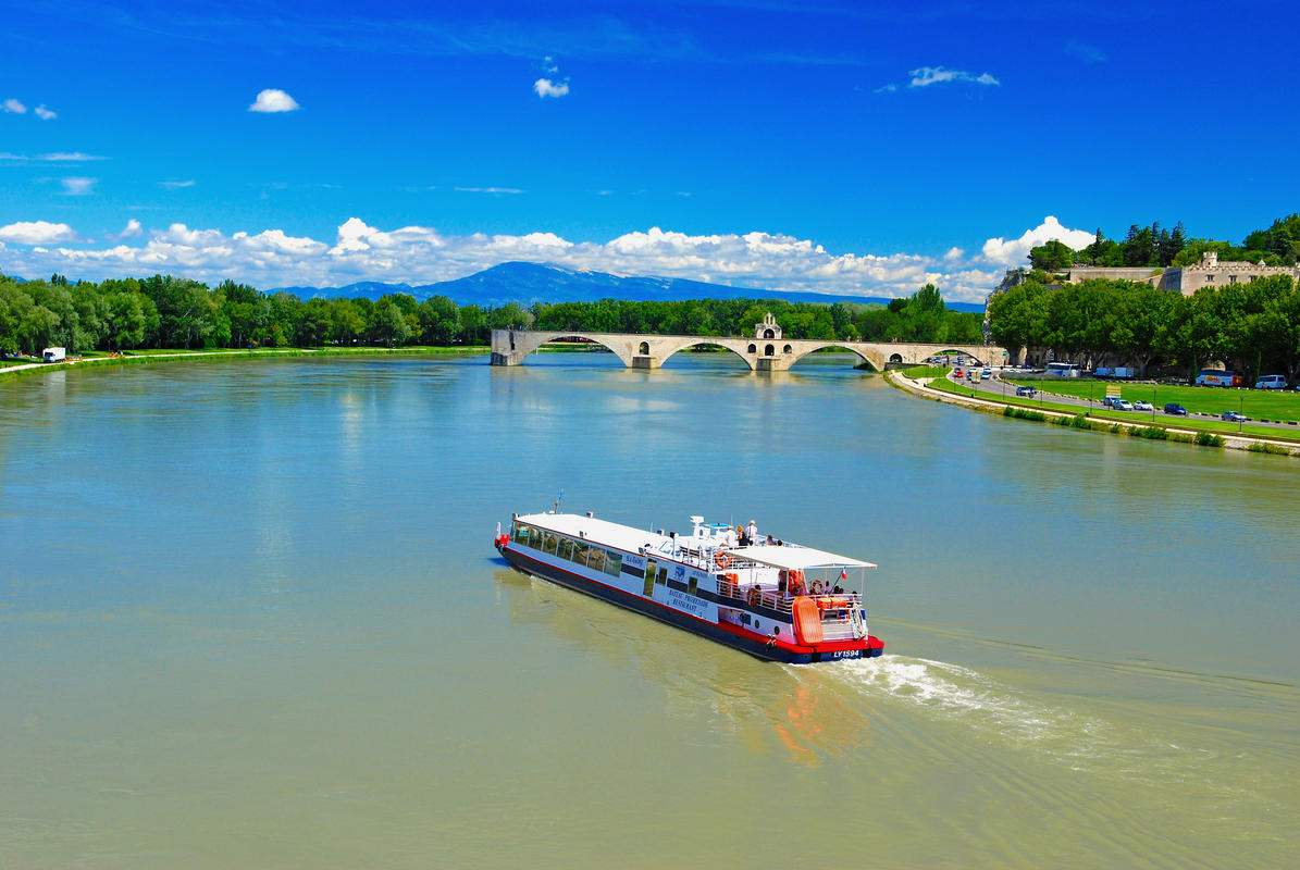 """Cruising on the Pont d'Avignon"" by Vincent Brassinne via Flickr Creative Commons"