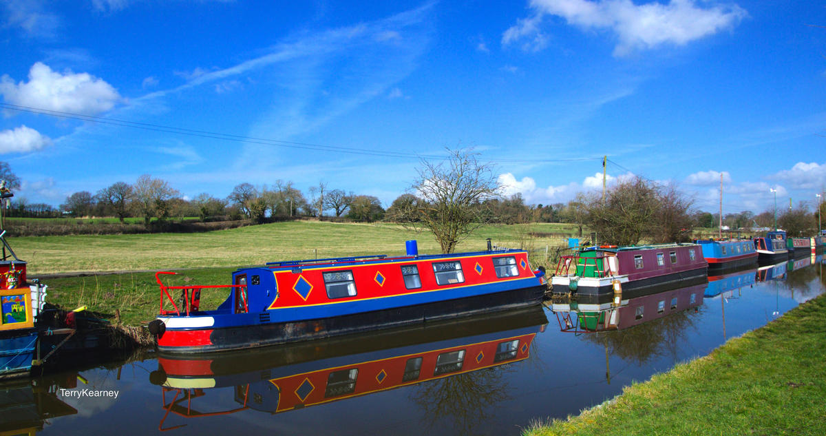 """Shropshire Union Canal at Stoak Cheshire"" by Terry Kearney via Flickr Creative Commons"