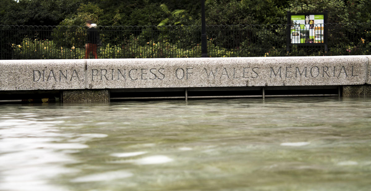 """Diana Princess of Wales Memorial, London"" by Laura Berdasco via Flickr Creative Commons"