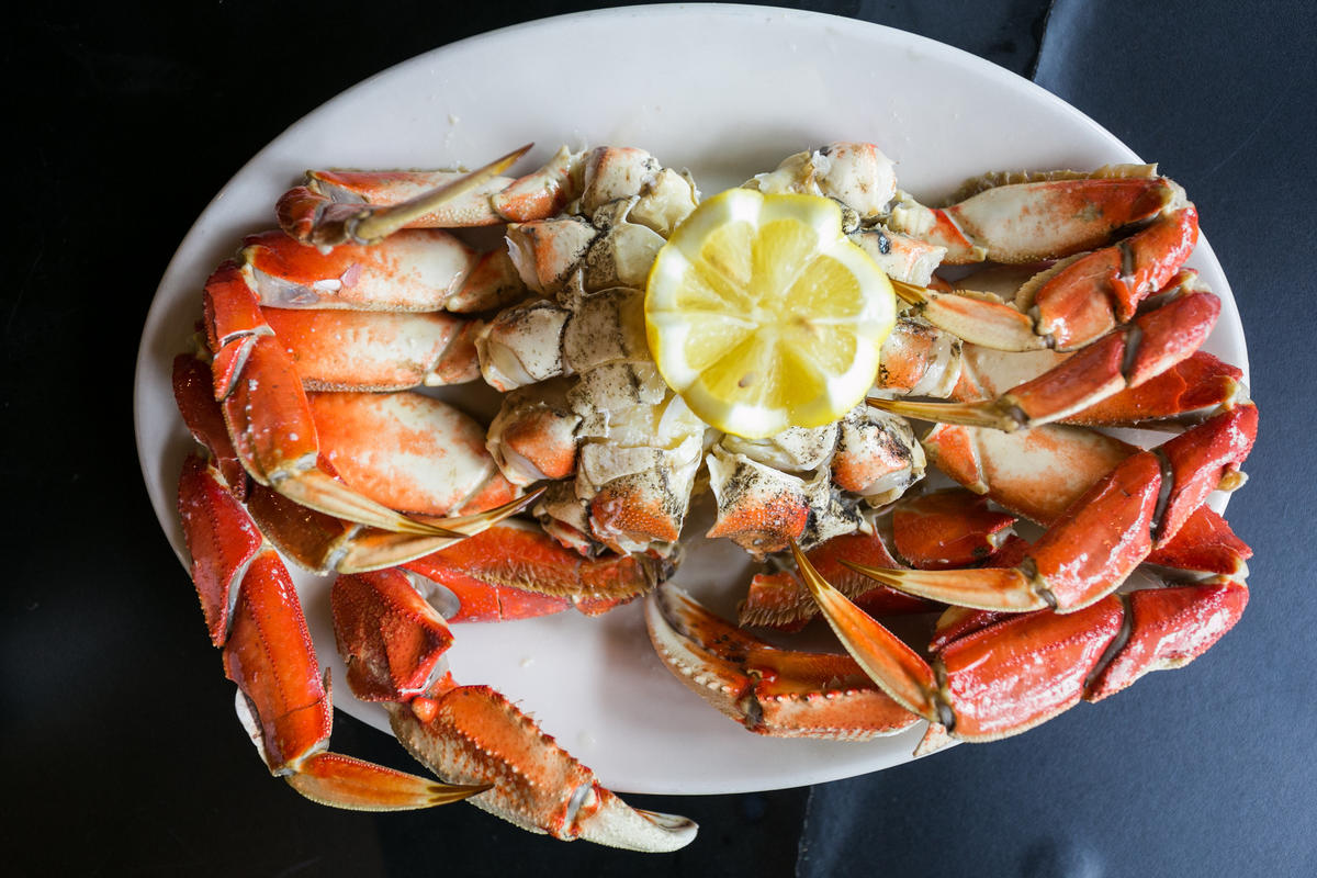 """Dungeness Crab - Cooked, Chilled and Cracked"" by City Foodsters via Flickr.com"