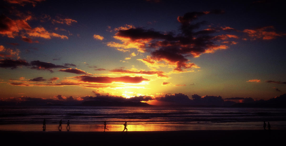 Sunset by Delyth Angharad via Flickr Creative Commons