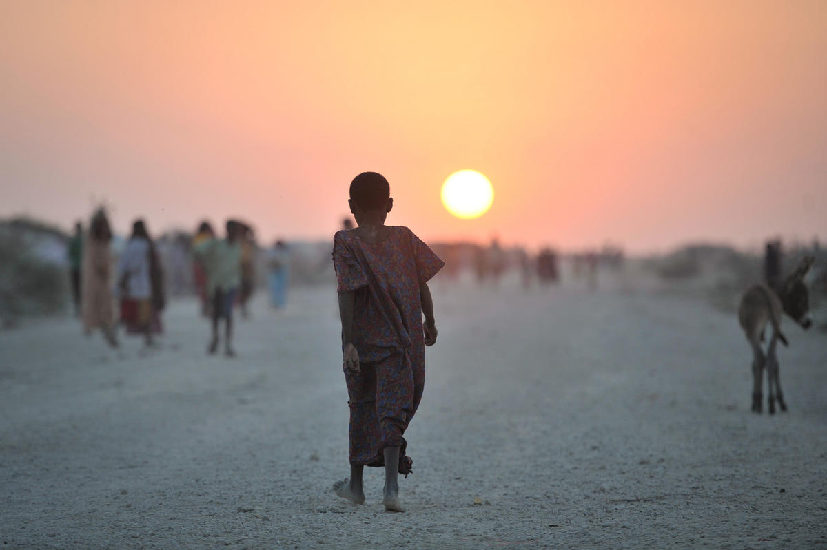 2013_12_14_Jowhar_IDP_Camp_F.jpg by AMISOM Public Information via Flickr Creative Commons