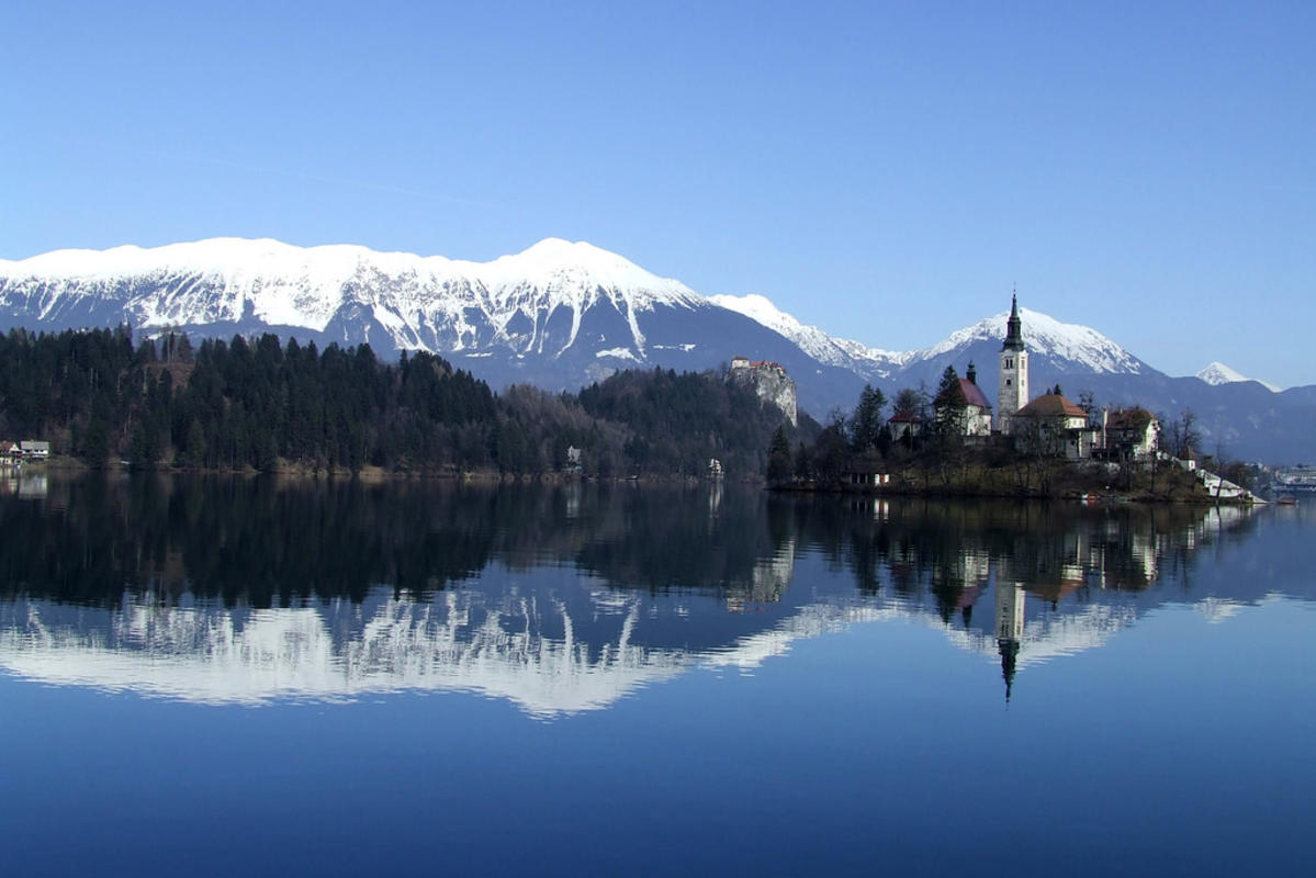 Bled lake, Slovenia by Mirci via Flickr Creative Commons