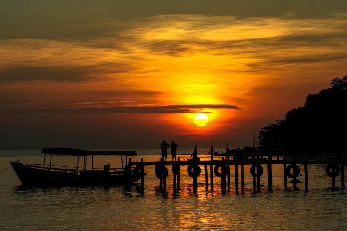 Photo Credit: Sihanoukville Sunset via leejellyman on shutterstock