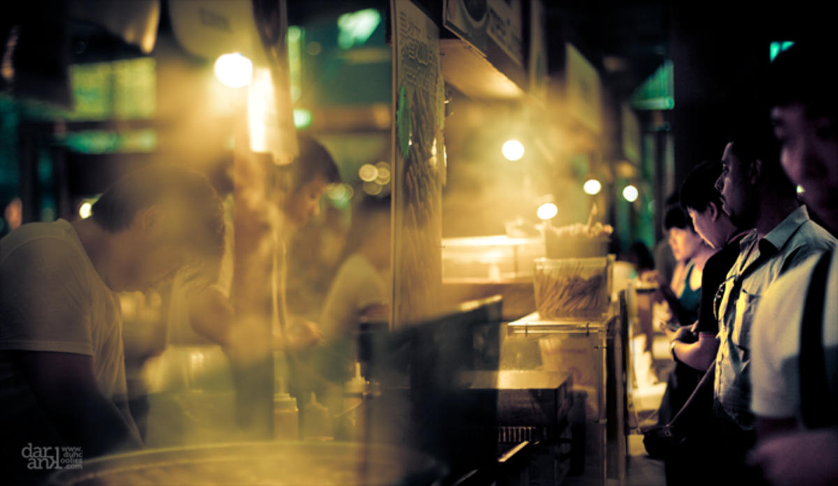 Street food shopping - Singapore by Daran Kandasamy via Flickr Creative Commons