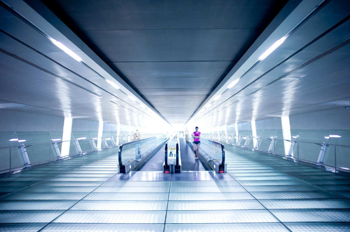 Travelators between Terminals 2&3, Singapore Changi Airport by Mac Qin via Flickr Creative Commons