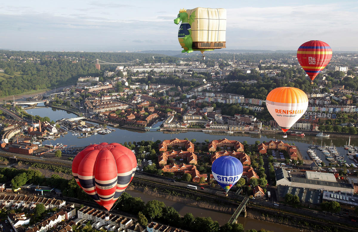 Bristol International Balloon Fiesta, 2014 by Paul Townsend via Flickr Creative Commons