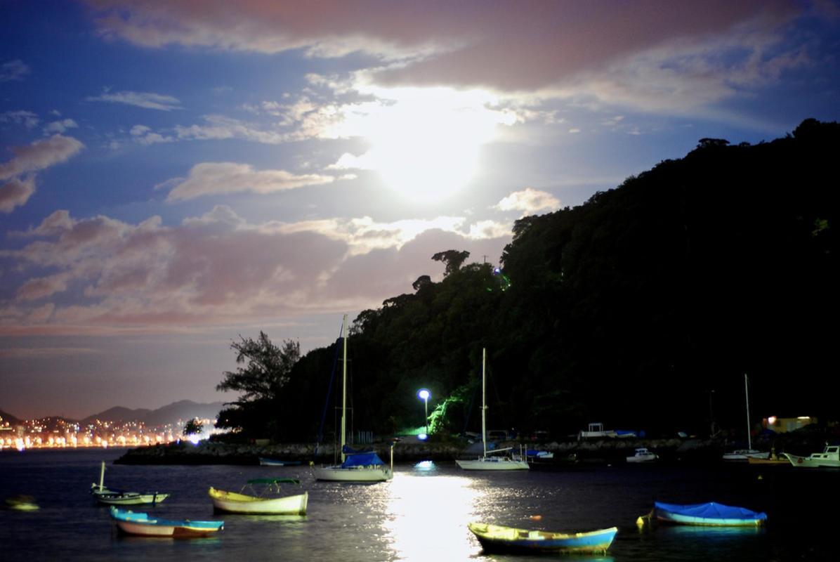 """Bar de Urca"" by  Kenji Yamamoto via Flickr Creative Commons"