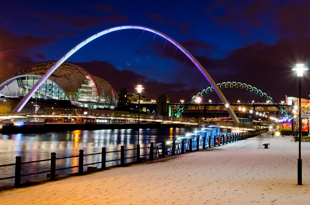 Millennium Bridge by Gerry Machen via Flickr Creative Commons