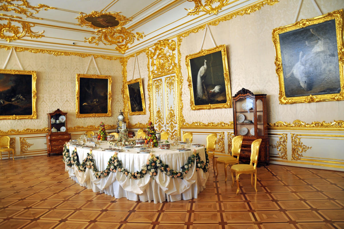 Russia_1694 - Gilded Dining Room by Dennis Jarvis via Flickr Creative Commons